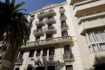 Residential building for sale in Barcelona with option for subsequent leasing